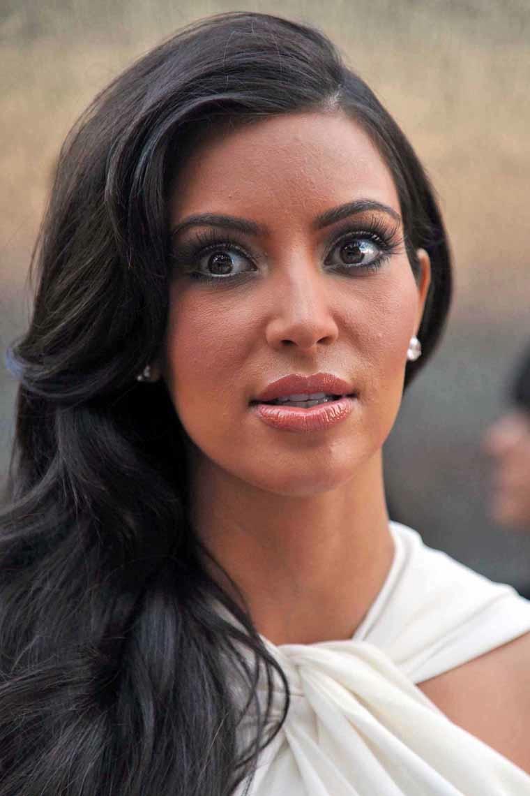 Kim Kardashian Under Fire For Divorce and Cancer Comparison